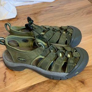 Keen Newport waterproof sandals. 7.5